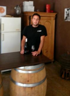 Domaine Valjullius erzeugt dichten Syrah Barrique-Wein von alten Reben